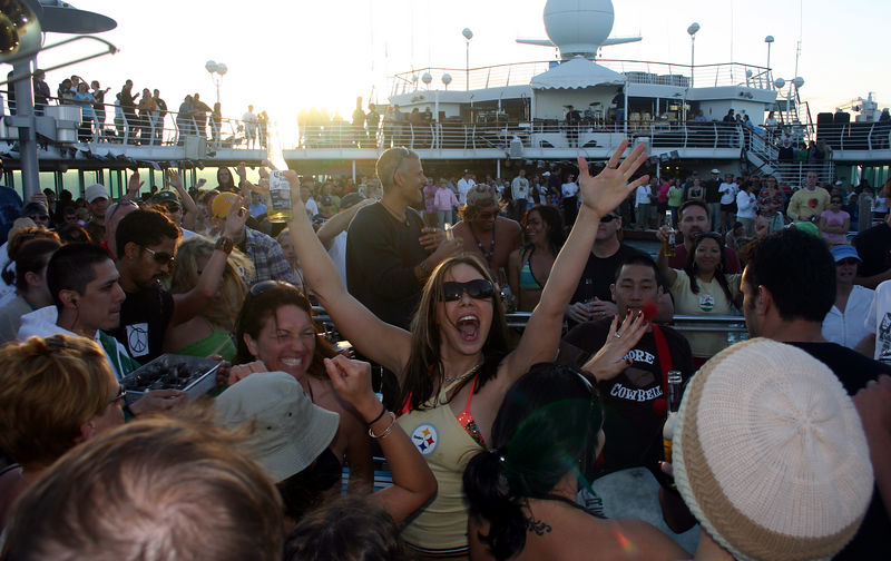 pic of dave matthews and friends cruise
