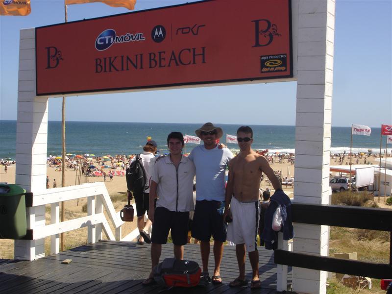 Bikini Beach, Punta Del Este: Entrance